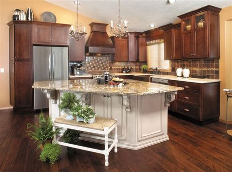 cherry kitchen islands best 25 cherry kitchen cabinets ideas on