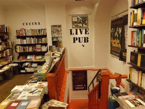 libreria altroquando roma the entrance foto de libreria altroquando roma