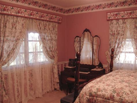 old fashioned bedroom old fashioned country bedrooms this lovely front bedroom