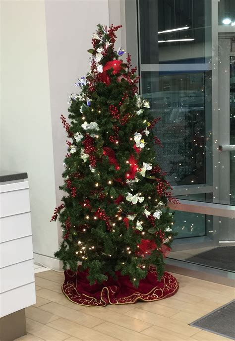 rental christmas tree decorated 12 ft