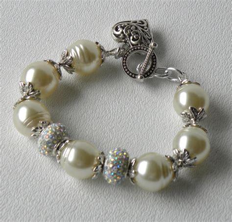Handmade Bead Bracelet - snowdrift handmade beaded bracelet by bdzzledbeadedjewelry