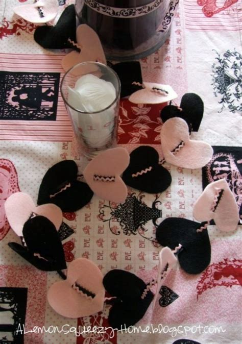 9 Cool To This Valentines Day by 15 Cool S Day Garlands Ideas To Tinkering