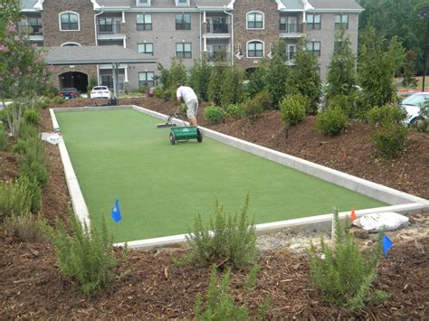 houston apartment complex artificial putting green bocce