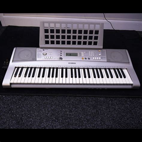 Keyboard Yamaha S900 Second yamaha psr e303 electronic keyboard w psu 2nd rich tone