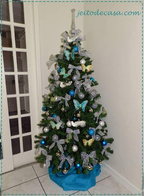decoração de arvore de natal azul e dourado 193 rvore de natal prata e azul jeito de casa blog de
