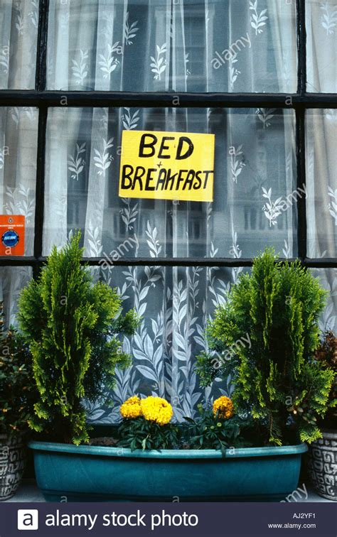 london bed and breakfast bed and breakfast sign in window near paddington station