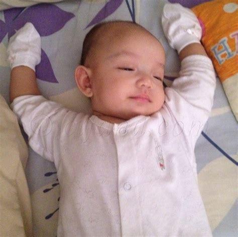 Mitten Baby Grow Sarung Tangan Bayi bila masa sesuai buka sarung tangan bayi inspired by yanie