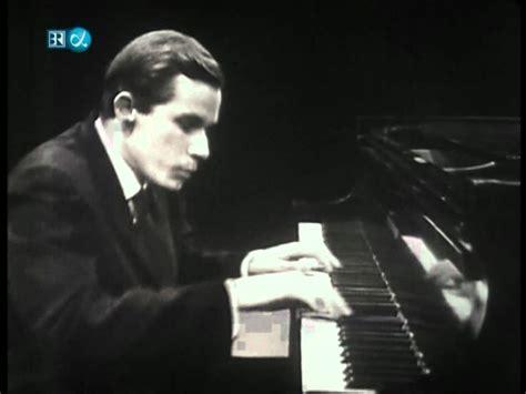 glenn gould no glenn gould hindemith piano sonata no 3 fugue hd youtube