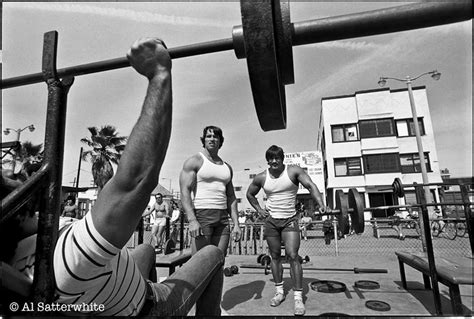 arnie bench press arnold schwarzenegger original gold s gym muscle beach