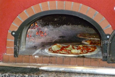 stovetop pizza oven file 2012 07 08 pizza oven club noi rotkreuz jpg