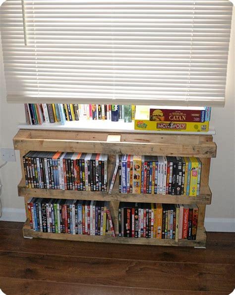 diy book stand  pallets inspiring ideas