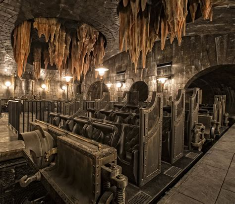 voldemort bellatrix revealed in new escape from gringotts