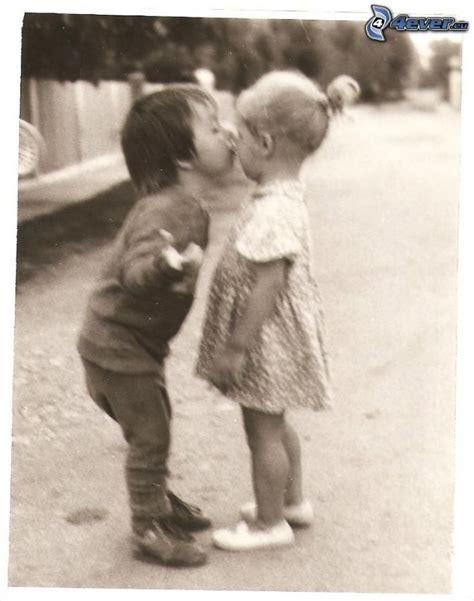 fotos en blanco y negro niños ni 241 os bes 225 ndose
