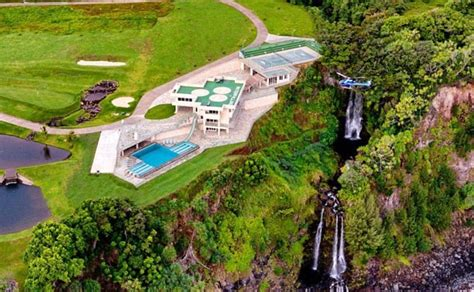 s day house by water justin bieber rents 10k a mansion in hawaii with