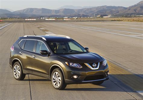 green nissan rogue 2016 nissan rogue hybrid also more efficient gas model