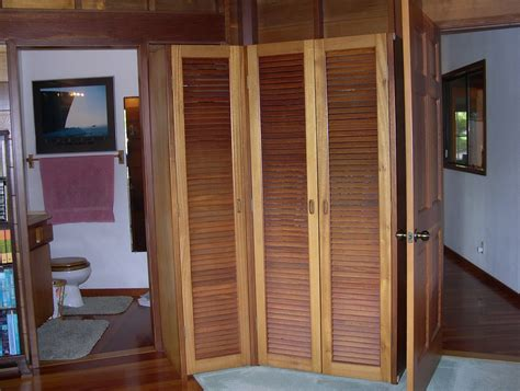 louvered sliding closet doors wood home design ideas