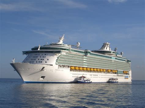 largest cruise ship being built largest cruise ship being built file allure of the seas 10