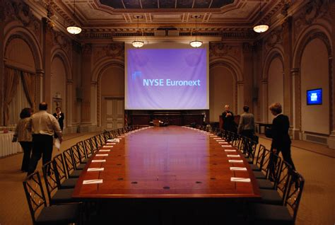 free room and board in exchange for work file new york stock exchange boardroom new york flickr hyku 3 jpg wikimedia commons