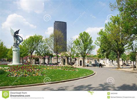 De Montparnasse Its Time by De Begraafplaats Montparnasse Stock Foto Afbeelding