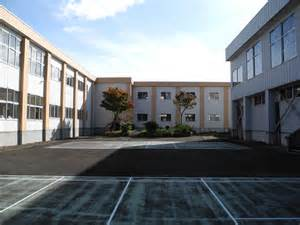 Of School File Hitane Elementary School Courtyard 1 Jpg
