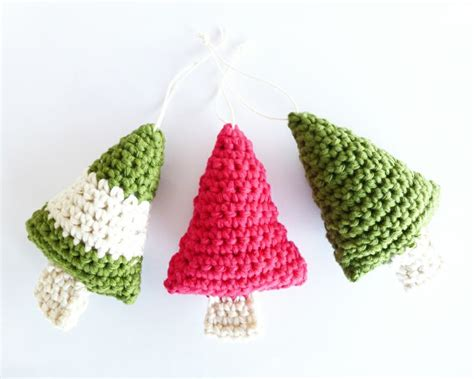 crochet christmas trees free pattern all things