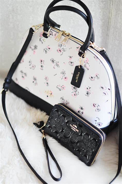 Wallet Bag Flower Walletbag Flower may flowers coach bag wallet giveaway more maegan