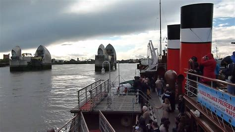 thames barrier video youtube ps waverley through the thames barrier youtube