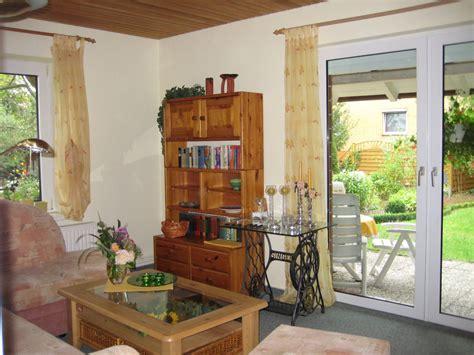 springbrunnen wohnzimmer ferienwohnung a ferienhaus im garten harz frau