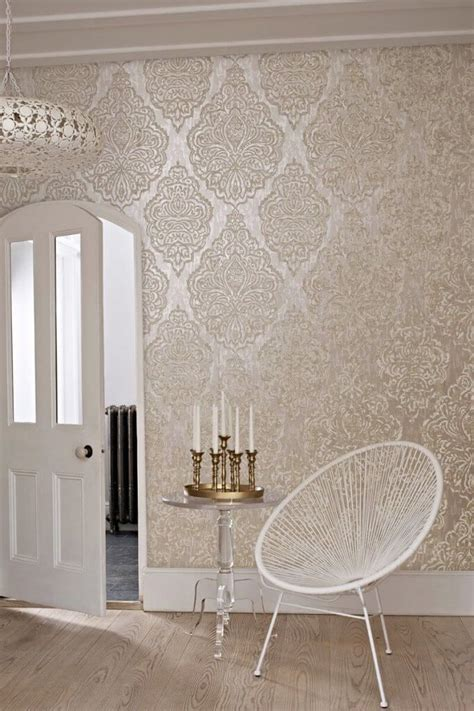 wallpaper for tall walls 25 best ideas about metallic wallpaper on pinterest