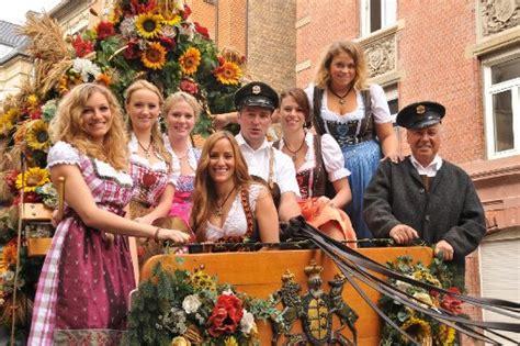 bis wann geht oktoberfest das 168 cannstatter volksfest 246 ffnet am 27 september