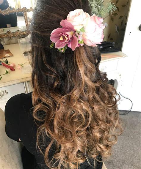 cappelli con fiori acconciature sposa con fiori tra i capelli 11 idee per la