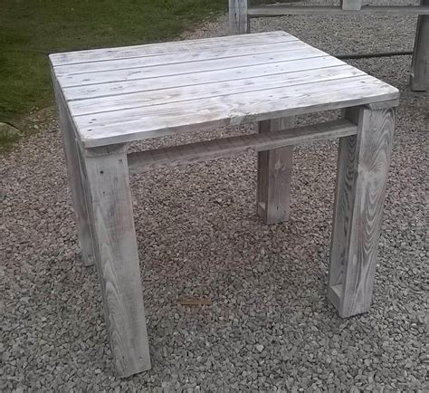 white washed coffee table diy pallet reclaimed white washed tables 99 pallets