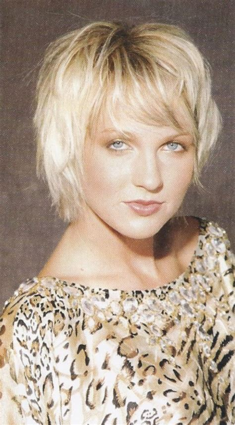 chin length shaggy hairstyles with bangs cute chin length shag haircut hair pinterest bobs