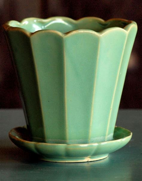 Mccoy Pottery Planters Prices by 25 Best Vintage Pottery Ideas On Mccoy