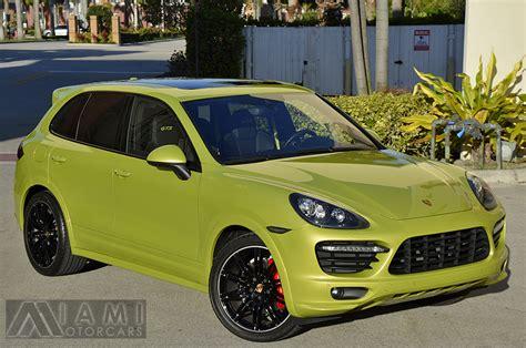 Porsche Cayenne Gts Green by Peridot Green 2014 Porsche Cayenne Gts Rare Cars For