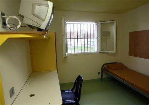 chambre prison dans la peau d un maton soir