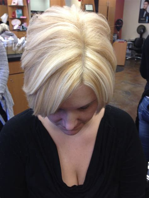 short platinum blonde with low lights short bob platinum base with golden blonde lowlights and