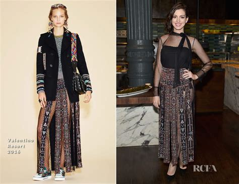 the of a fashion intern in new york city how i did it books hathaway in valentino the intern new york