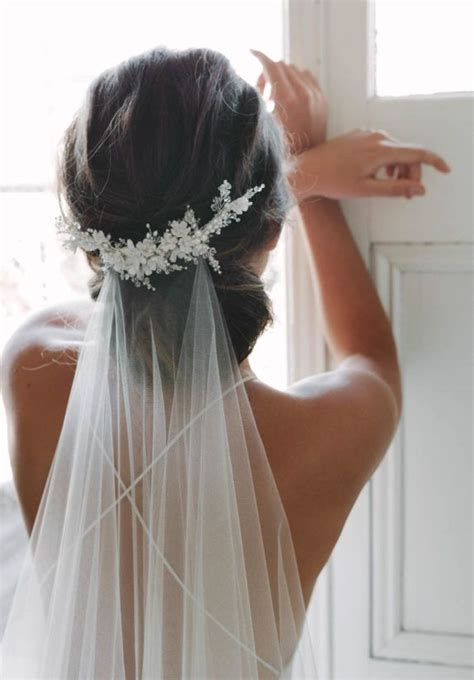 Wedding Hair With Headpiece by 18 Spectacular Statement Bridal Headpieces For 2017