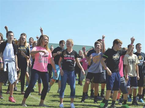 Warrick County Records Largest Zumbatomic Class Warrick County Breaks Guinness World Records Record