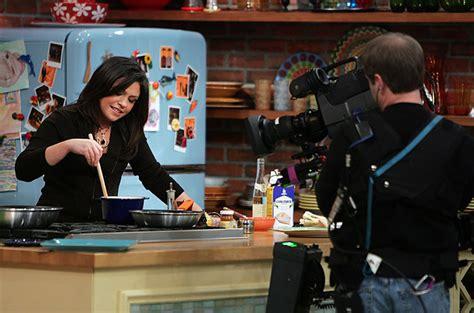 cuisine tv programmes in the kitchen