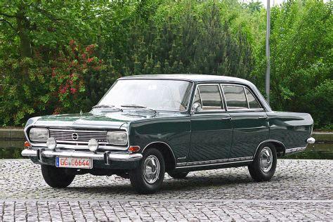 Bauto Bild B by Fahrt In Sepp Herbergers Opel Rekord 1966 Autobild De