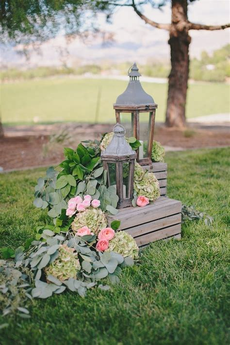 Chic Wedding Decor by California Wedding With Rustic Chic Decor Modwedding