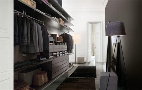 ubik walk in closet closet