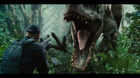 jurassic world movie review sillykhan s blog the park is open jurassic world movie review carleton