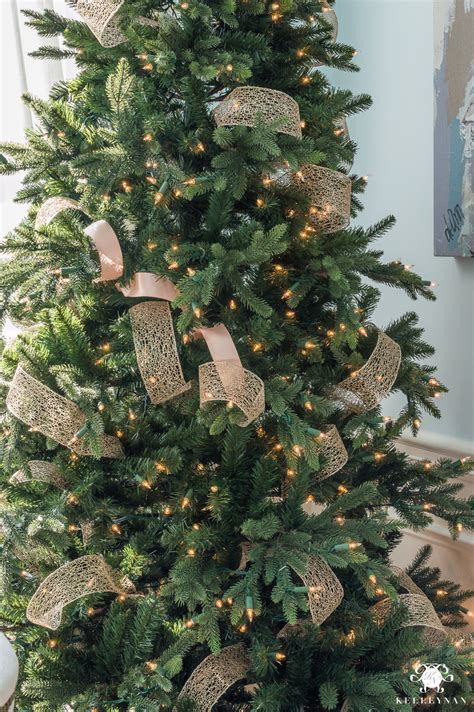 decorate tree with ribbon decorate a christmas tree with ribbon www indiepedia org