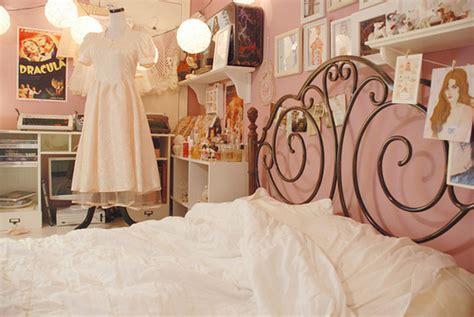 mannequin bedroom decoration bed bedroom decor mannequin same bedroom image 352989 on favim com