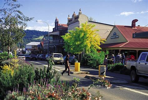 small country towns ten best country towns for day trips near sydney sydney