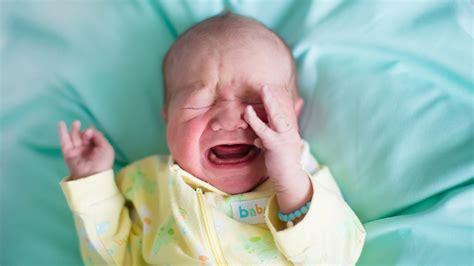 baby schläft nicht im bett baby beruhigen 6 methoden wie du dein baby tr 246 sten kannst