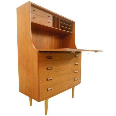 Modern Desks With Storage 17 Best Images About Vintage Desks And Writing Tables On Pinterest Antiques Modern Desk And Teak